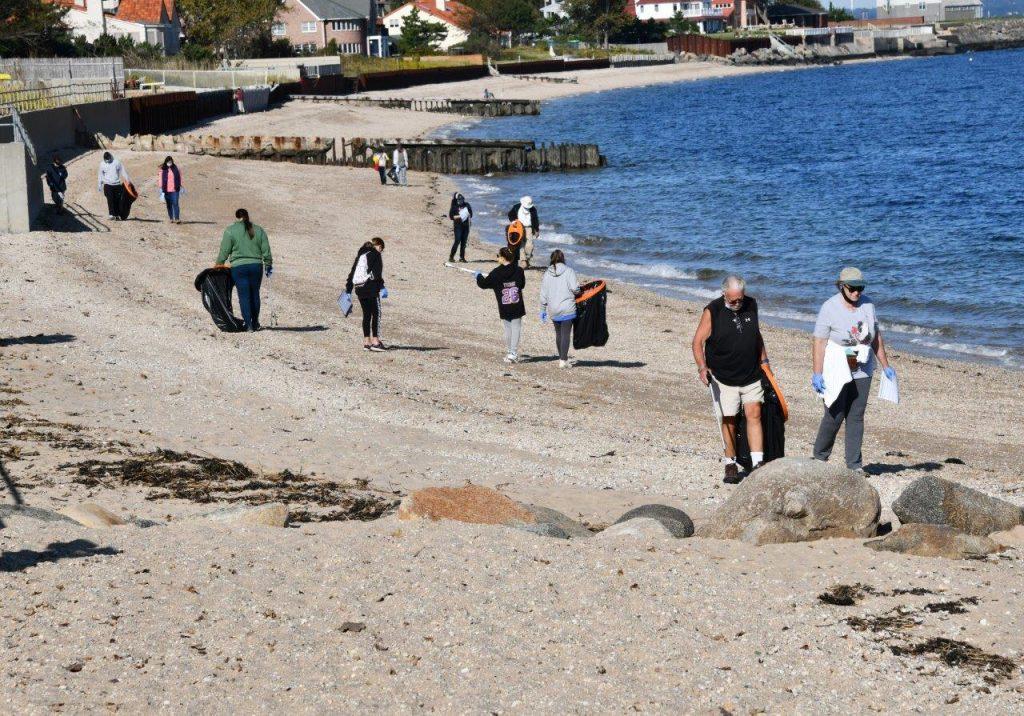 Beach-Clean-TabHauserPhoto-2020-(8)